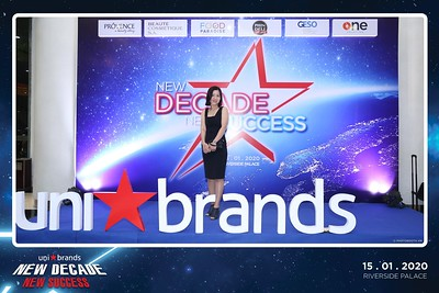 Unibrands-Year-End-Party-2019-instant-print-photo-booth-Chup-hinh-in-hinh-lay-lien-Su-kien-Tat-nien-TP-HCM-WefieBox-Photobooth-Vietnam-233