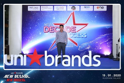Unibrands-Year-End-Party-2019-instant-print-photo-booth-Chup-hinh-in-hinh-lay-lien-Su-kien-Tat-nien-TP-HCM-WefieBox-Photobooth-Vietnam-222