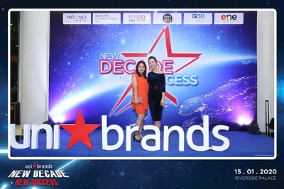 Unibrands-Year-End-Party-2019-instant-print-photo-booth-Chup-hinh-in-hinh-lay-lien-Su-kien-Tat-nien-TP-HCM-WefieBox-Photobooth-Vietnam-228