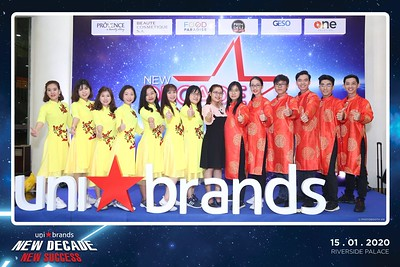 Unibrands-Year-End-Party-2019-instant-print-photo-booth-Chup-hinh-in-hinh-lay-lien-Su-kien-Tat-nien-TP-HCM-WefieBox-Photobooth-Vietnam-214