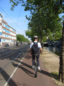 Klaas on one of Amsterdam's many bike lanes. This city is really set up for cycling!