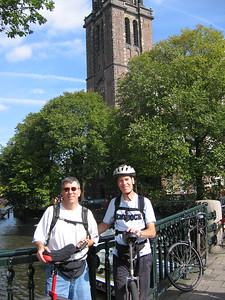 Tom (l) and Klaas (r) in front of the Wester-kerk.
