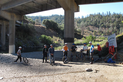 Getting ready for the Confluence Uphill. There's the starting line; the finish line is up level with the bridge.