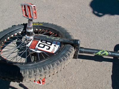 Jarin's carbon fiber/aluminum frame, light and tight!