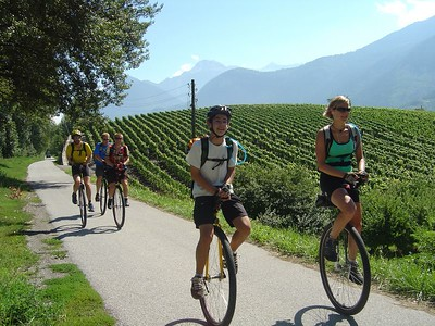 [KL] August 12 (75km/1115m): Riding through flat fields to Martigny - now in French-speaking Switzerland.  Maps/GPS/Heart rate: at Motionbased in GoogleEarth at Google Maps
