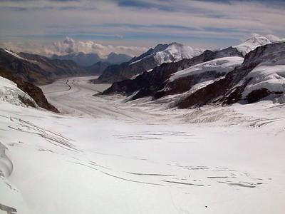 The view south - quite a glacier.