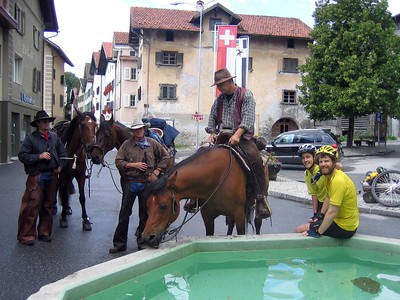 [JS] August 6 (80km/1592m): Another Swiss village - with beer drinking cowboys.  Maps/GPS/Heart rate: at Motionbased in GoogleEarth at Google Maps