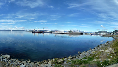 Marina Svetaeva and waterfront, 4 images/25 megapixel composite 2011-01-15 11:18:59 by Nathan Hoover