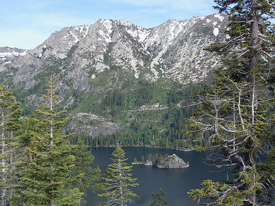 Fannette Island, nestled in picturesque Emerald Bay. You can see the road heading uphill again on the other side of the bay, which it climbs right back up to the same height as Inspiration Point!