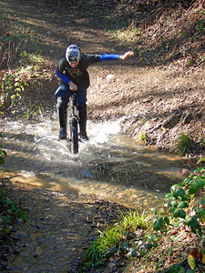 Zack Baldwin makes a splash