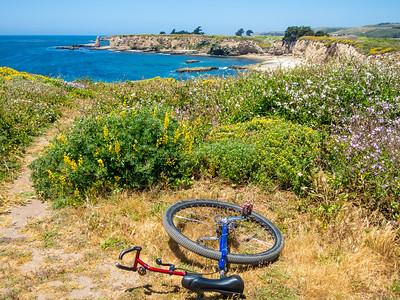 Beautiful Pacific coastline west of Santa Cruz, CA