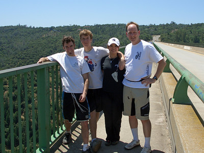 Corbin Dunn, Zack Baldwin, Kaori Matsuzawa and John Foss on the Foresthill Bridge
