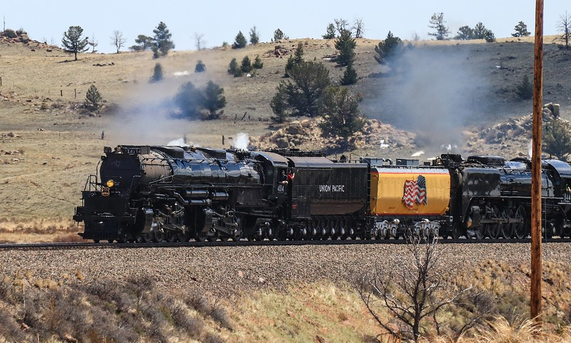 4014 in a mild radius turn at Dale Junction, not far from Sherman Hill.
