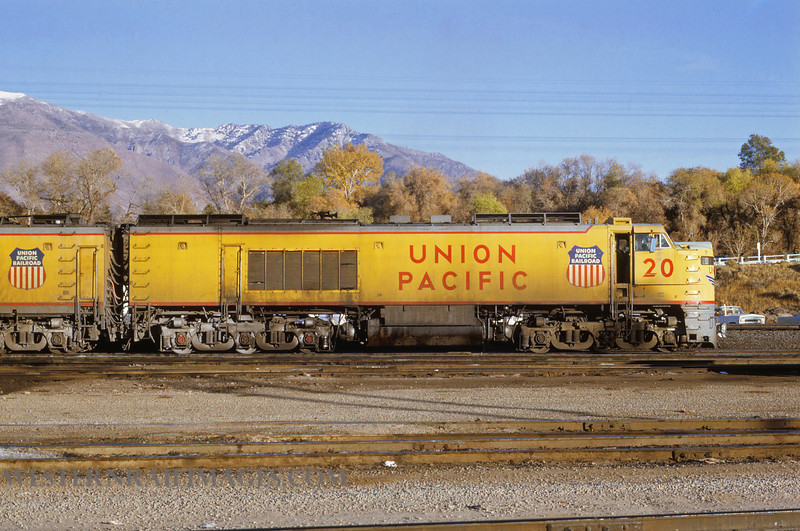 UP 507 - Nov 1 1969 - Turbine loco no 20 eastbound @ Ogden UT - by Jim Ozment
