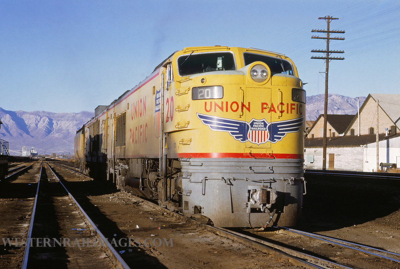 UP 508 - Nov 1 1969 - Turbine loco no 20 eastbound @ Ogden UT - by Jim Ozment