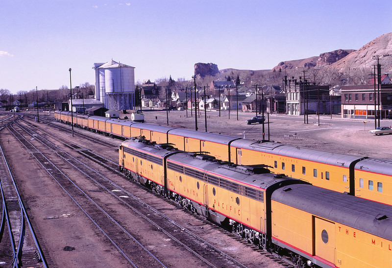 UPRR 527 - May 3 1970 - City of SF LA & Portland at Green River WYO