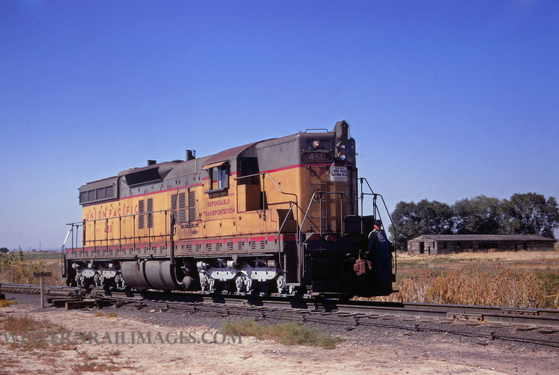 UP 545 - Nov 24 1970 - no 450 SD7 @ Clearfield Utah - by Jim Ozment