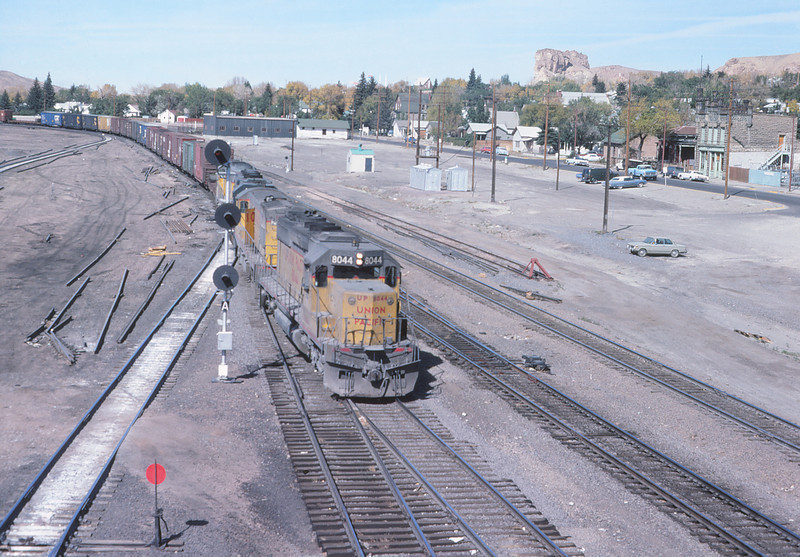 UPRR 626 - OCt 11 1979 - eastbound train @ Green River WYO