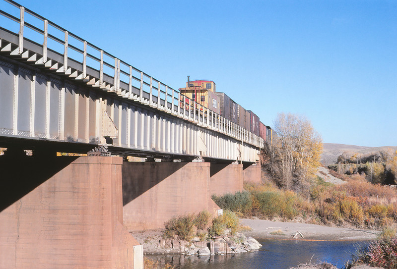 UPRR 645 - Oct 11 1979 - eastbound on bridge at Ft Fred Steele WYO