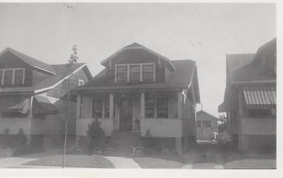 2209 BERWYN 1930