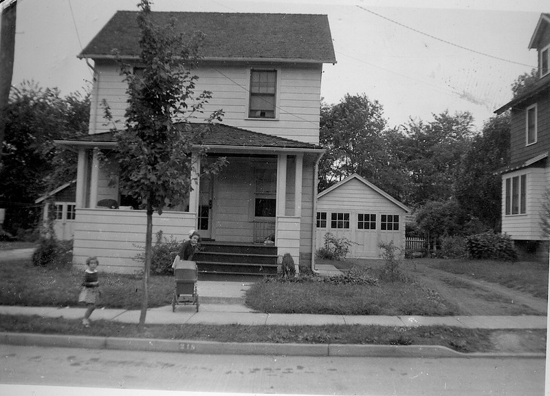 218 newark ave  1938 kids