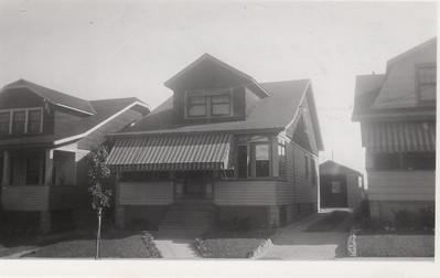 2205 BERWYN 1930