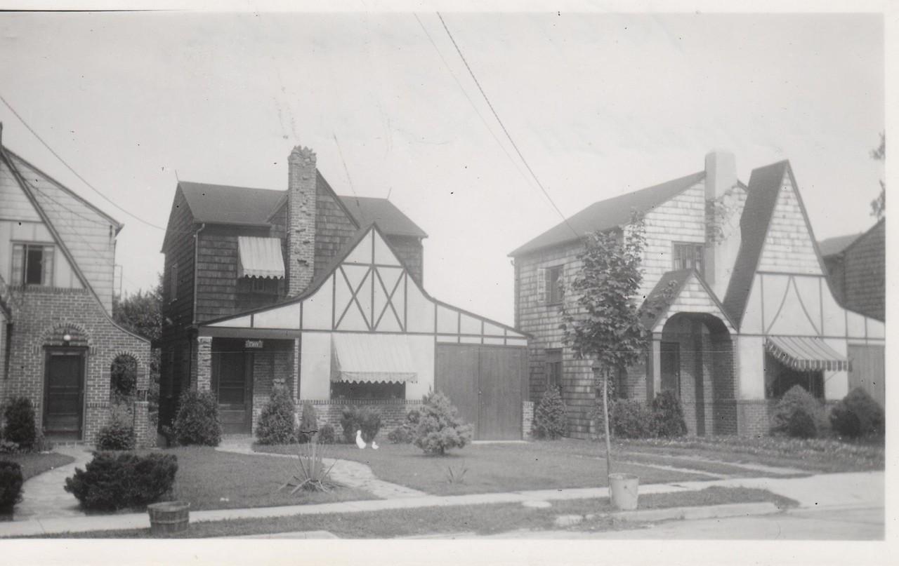 1569 WALKER AVE 1930