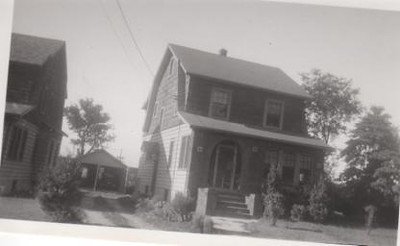 2084 STOWE ST-1930s