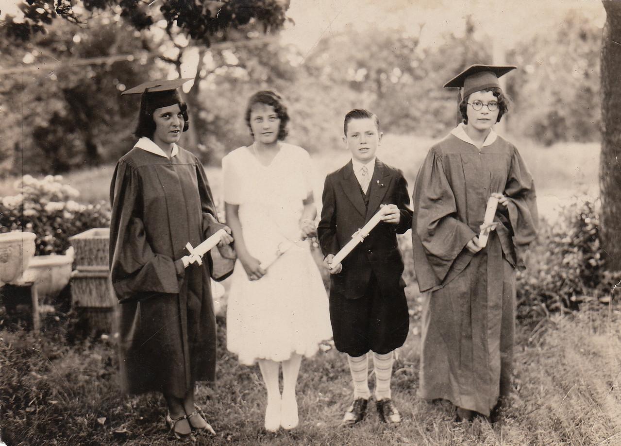 Evelyn, Freda, CAHjr, & Muriel Hopkins