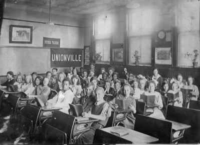 Classroom in The Unionville School about 1920.