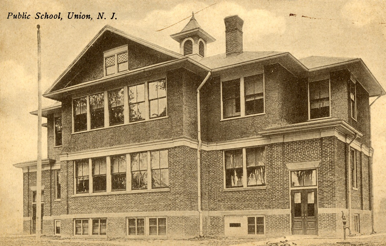 Located on Stuyvesant Ave next to present day Connecticut Farms School this building was built about 1906 and was the Connecticut Farms School until about 1938. The building was used as a recreation center after that and  torn down to build condos in the 1980's. Like many of our photos this was taken from a postcard.