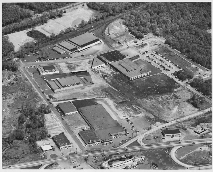 Aerial photo of Route 22 showing the Flagship, Venus Diner under construction, the cleared lot that would become the 4 Seasons Bowling Alley and more.