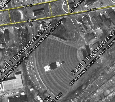 This 1966 aerial photo of the Union Drive-In shows the altered layout.  The second design which was supposedly incorporated in order  to show the movies a bit earlier due to the sun's position.