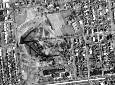 1961 aerial of Kenilworth showing The Harding School and local area.