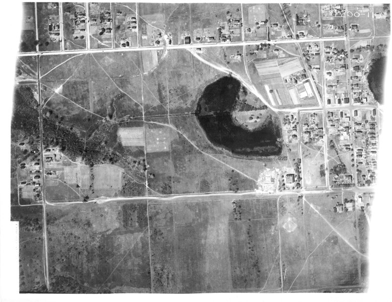 Kenilworth in 1923. The pond in the center of the photo is where the high school field is currently.