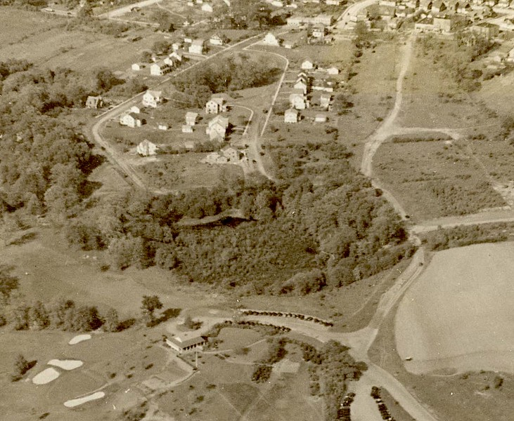 Galloping Hill Golf Course clubhouse at the bottom center looking toward Indian Run Parkway. 1947 before the Garden State Parkway was started.
