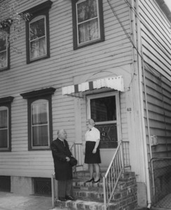 The Mayor visits his childhood home in Newark.