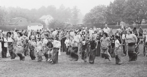 old cider mill 1975 gsp picnic sack race