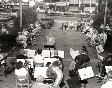 A band concert in the 70's in front of the municipal building. We believe the band leader to be Dr. Plotkin who taught music at Conneticut Farms School at the time.