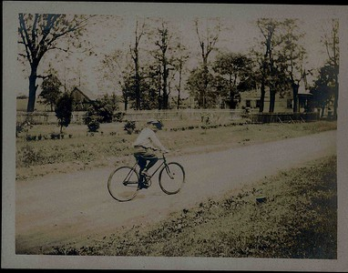 Bicycle bike on Colonial Ave  Union about 1910 enh