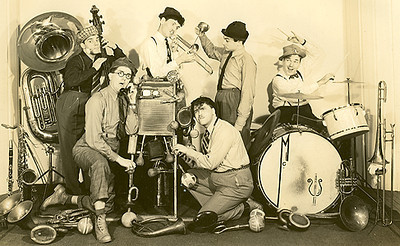 The Korn Kobblers got their start at the 1940 world's fair and then went on to become a regular act at the Flagship. Initially discovered by Guy Lombardo their 1940's versions of music videos can be found on Youtube. https://www.youtube.com/watch?v=88e_MX6O1ic   http://www.youtube.com/watch?v=EFHNH1omVTI