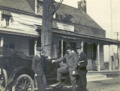 Bonnel and friends in front of the Meeker Inn. located on Morris Ave. in Stuyvesant Ave about 1910.