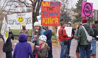 Walmart protest Boulder, Co 11/12 (4)