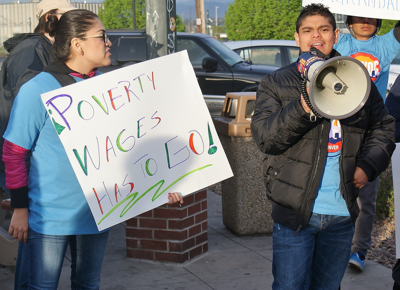 fast-food-workers-protest-36