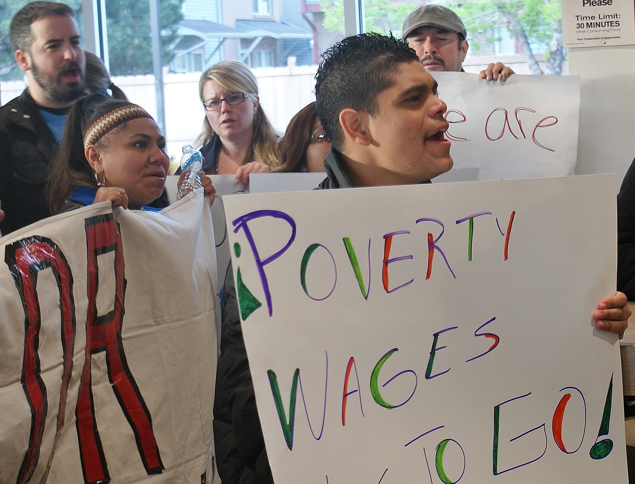 fast-food-workers-protest-24