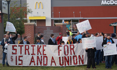 fast-food-workers-protest-5