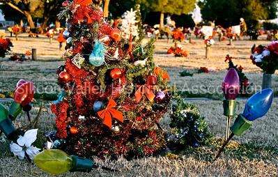 Holy Hope Cemetery in Tucson, Arizona - Christmas