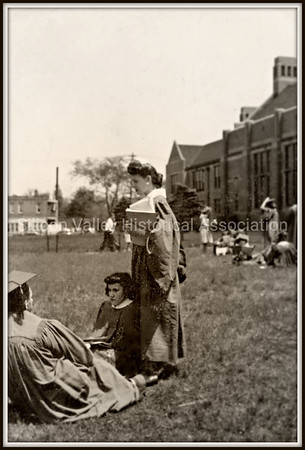 1940s Women's college graduation photo
