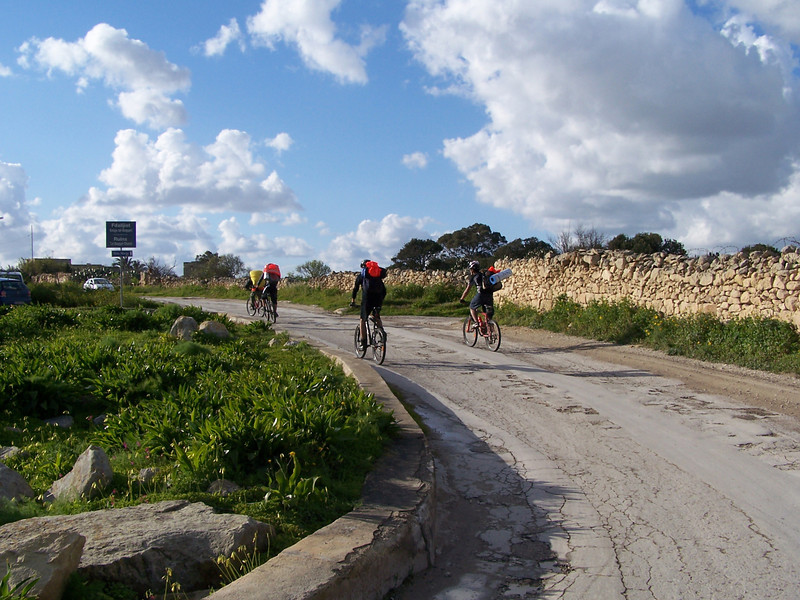And they're off again towards Zurrieq