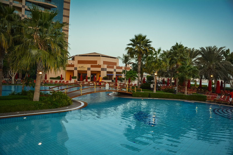 khalidiya palace swimming pool